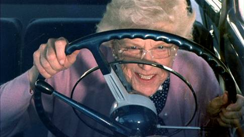 old-lady-driving